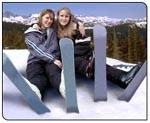Women skiboarding
